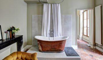La baignoire, d'avant Jésus Christ à nos jours.
