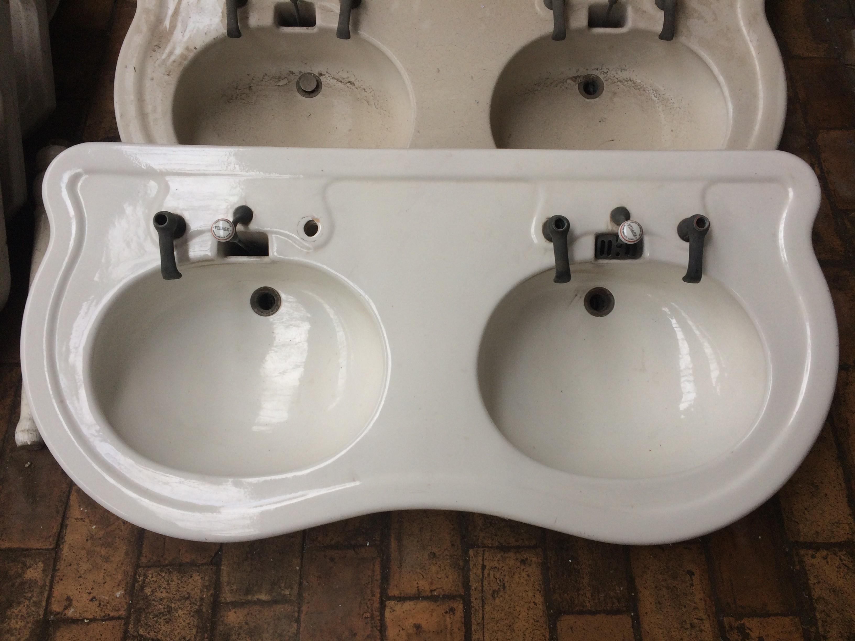 Lavabo ancien 1930 double vasque arrondie sur jambages