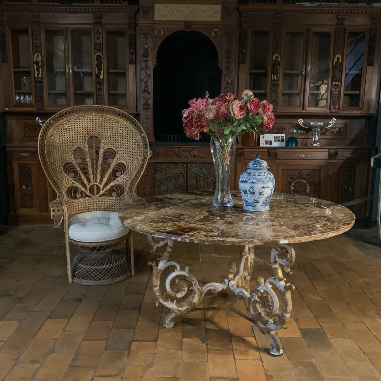 Fauteuil Emmanuelle showroom
