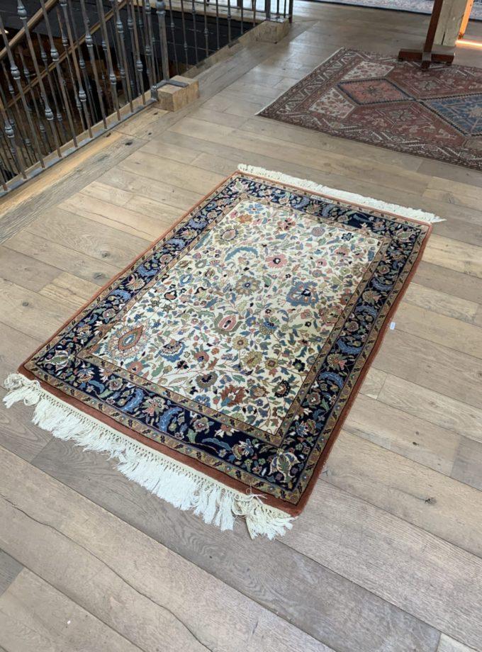 tapis fait mains