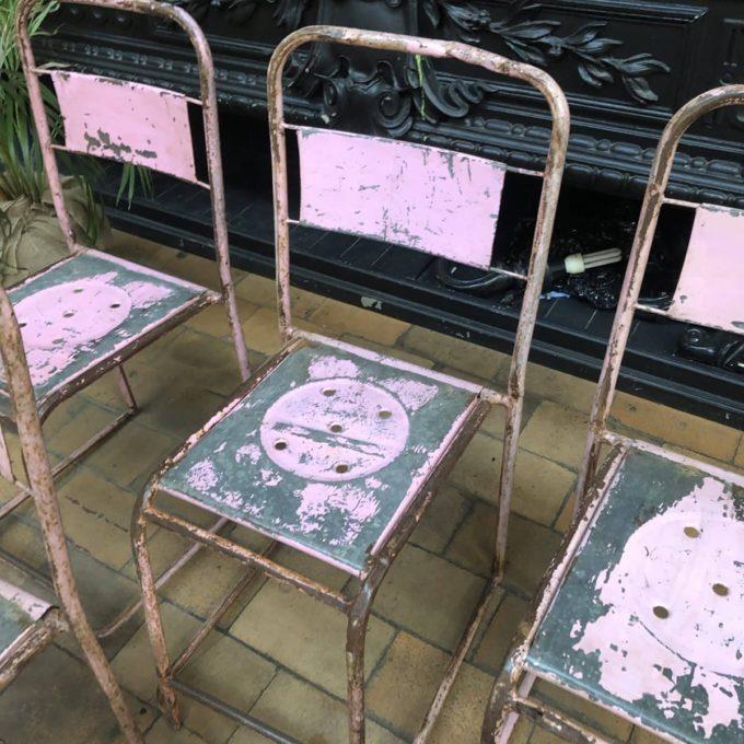 chaise haute metallique rose