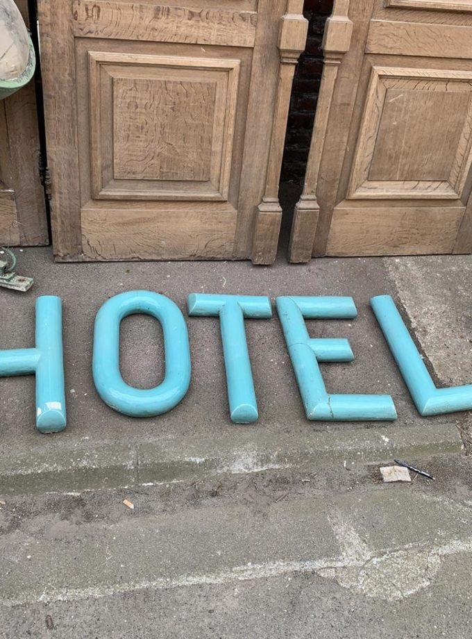 Lettrage HOTEL