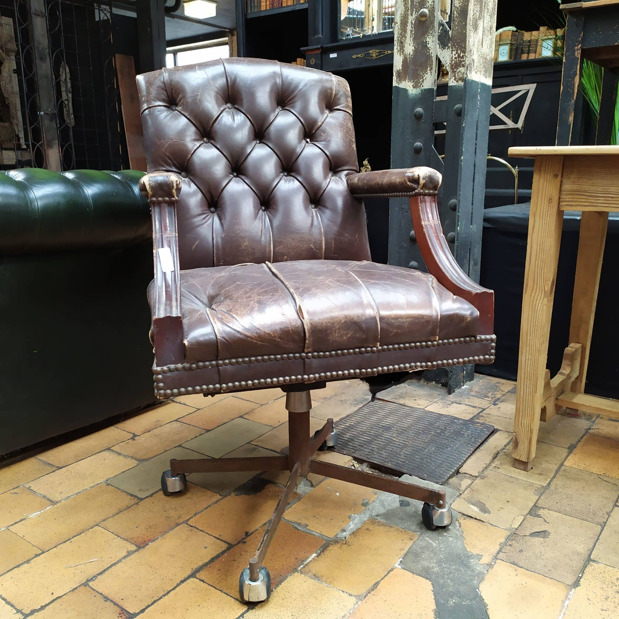 Picture of: Leather Office Swivel Chair Autenthic Materials
