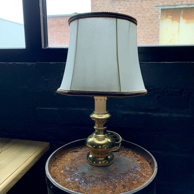 Old lamp from the Bank of France, 45x25cm.