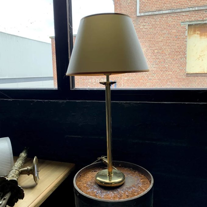Brass lamp, 40x35cm.
