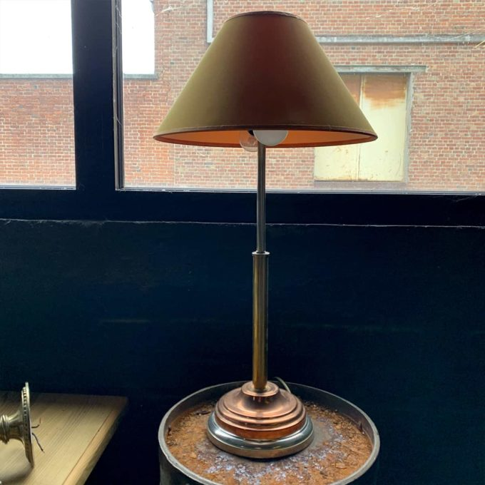 Old lamp from the Bank of France, 57x30cm.