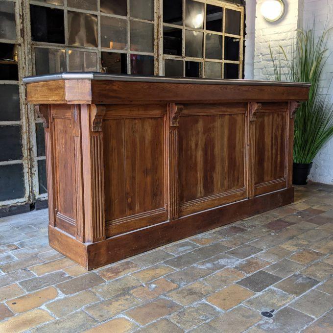 Front zinc bar